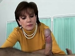 Unfaithful uk milf woman sonia exposes her huge globes