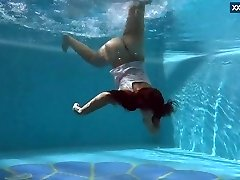 Puzan Bruhova enormous teenage in the pool