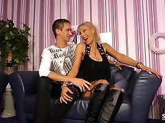 Sextape Germany - Amateur Plumper German gets drilled in hot sextape lessons