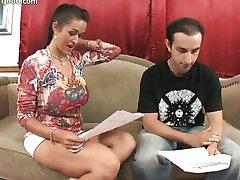 كارميلا بينغ - Big Tit مغامرة