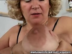 Tits and pussy mature solo