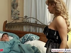 Busty blonde mummy Alyssa Lynn deep-throat a large pecker