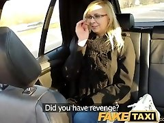 FakeTaxi Taxi driver plumbs glasses blonde on backseat