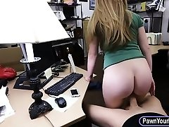 Amateur platinum-blonde babe gets her pussy pounded by nasty pawn dude