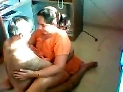 Desi Aunty Pulverized on a hidden camera