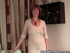 Redhead Cougar Gets Her Wet Mature Pussy Finger Fucked By Photographer
