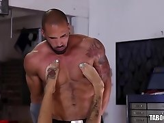 Bonnie Rotten Gets Booty-fucked By A Stranger