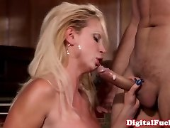 Curvy glamour model cockrides after gagging