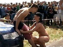 Truck-wash girl gets naked