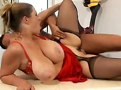 Natural Busty Plumbed In Bootie! Terry Nova
