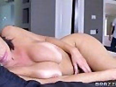 Brazzers - Veronica Avluv - Mommy Got Mounds