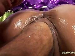 oiled busty Cougar deep fisting