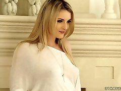 Desirable blonde bombshell Jemma Valentine gets nailed well