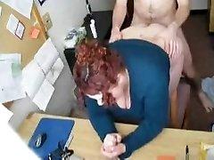Горячая ебля #57 (рыженькая секретарша дрочит в офисе)