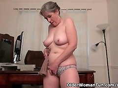 Old secretary Kelli strips off and fingers her wooly pussy