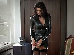 Sexy mommy in latex Ania Kinski gets romped properly