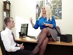 Curvaceous lady boss Alura Jenson boinked in a missionary stance in the office