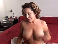 Fit senior spunker enjoys a hard drill and a sticky facial cumsh