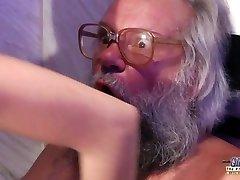 Teen Sensuell Kuk Massasje og Fitte å knulle med stor pikk bestefar super hot