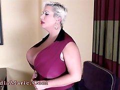 बड़े स्तन सुनहरे बालों मैरी Kayla Kleevage नष्ट कर देता है