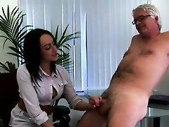 Brittiska dominant kvinna office ladies jerk CFNM office pervo