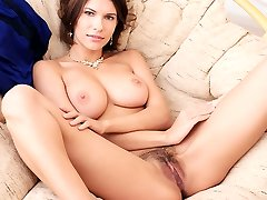 Brown-haired babe Suzanna A