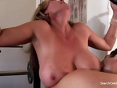 جولي ك. سميث عارية Sexy Wives Sindrome