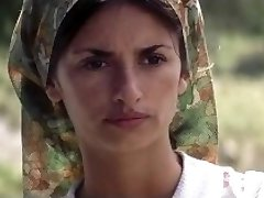 Evi Tzortzi و ایرینی Eleftheriou - Captain Corellis ماندولین (2001)