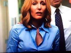 Dana Scully från X-Files rock hard nipples