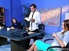 Brazzers - Juelz Ventura - Grandi Tette al Lavoro