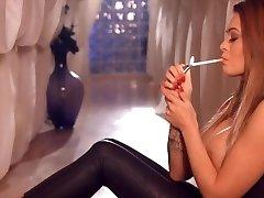 Super Hot Smoking Girl