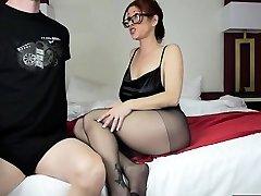 mama fierbinte fetish picior și sperma aruncata pe fata
