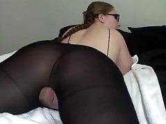 Gözlük Sıcak Bayan Büyük Kıçını Kapalı Gösterir