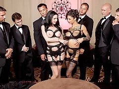 Le Secret De La Soiree: Six-Man Gang Bang