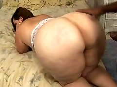 Bbw with big ass and thighs takes bbc