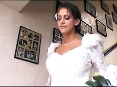 Bride & a hottie share a ginormous manmeat