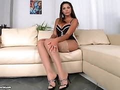 Great solo masturbation in uber-sexy lingerie