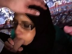 Arab babe in glasses deep-throats that big hard weenie