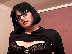 Tattooed Chubby MILF Nörd - Dildo Play
