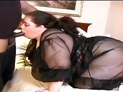Bbw לבן מזיין את אשתו קטנה זין שחור