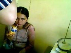 Heta tonåring tjej knullad av en gammal läkare