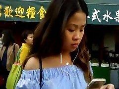 BootyCruise: Chinatown Buszmegálló 2