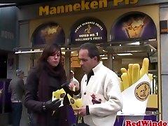 Mollige nederlandse prostituee gepompt close-up