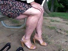 mutatja, izmos lábak