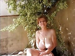 video - floppy tits mature