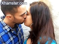 Brit Indian Couple Kissing - Movies From Arxhamster