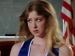सनी लेन कक्षा नंगा नाच है ।