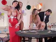 Cougars playing card game