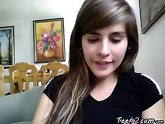 Adolescente se masturba frente a la webcam