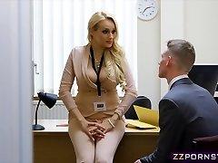 Sexy rondborstige leerkracht lul hard in haar kantoor